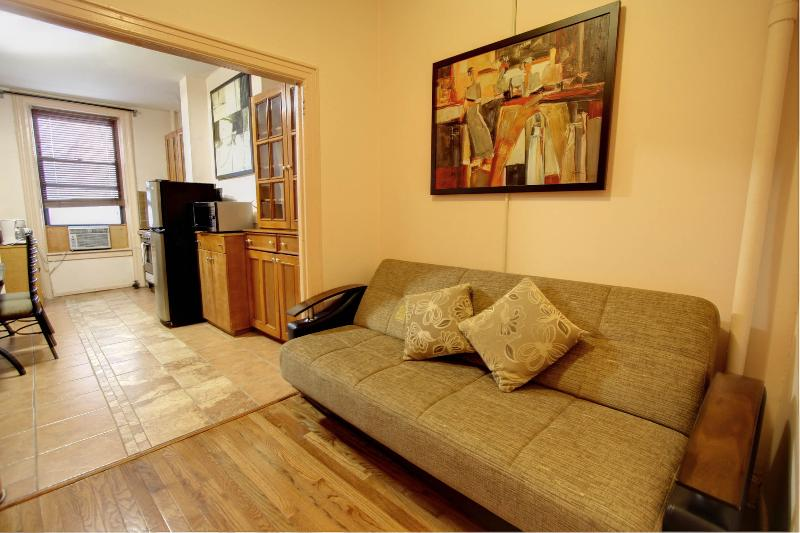 Beautiful 2 bdrm in Upper East - Image 1 - Manhattan - rentals
