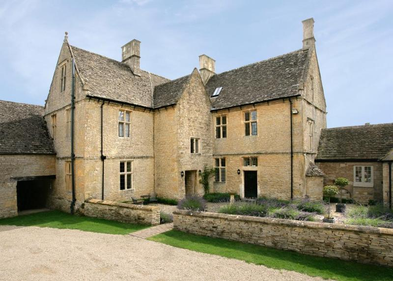 Farmhouse Rental in Central England, Stow-on-the-Wold - Gretel's Cottage - Image 1 - Stow-on-the-Wold - rentals