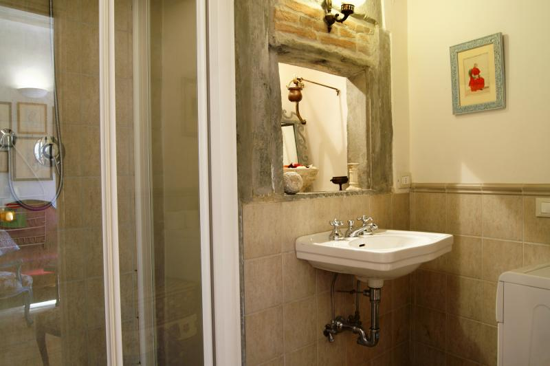 Large Apartment for Rent in Florence Historical Center - San Lorenzo 1 and 2 - Image 1 - Florence - rentals