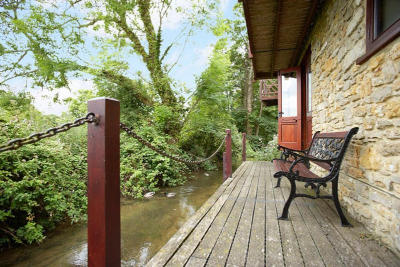 Cottage in Dorset - The Stream House - Image 1 - Little Loch Broom - rentals