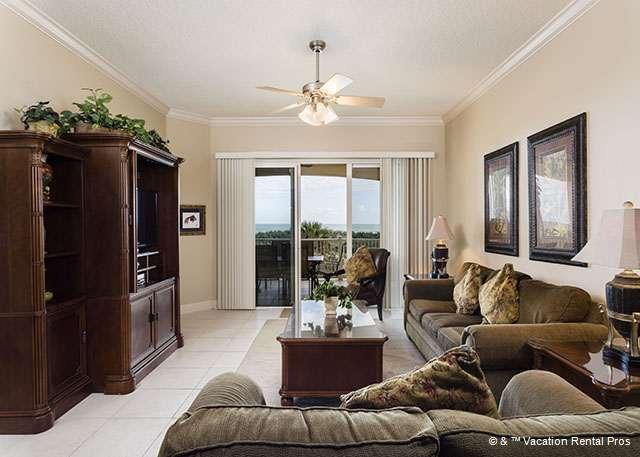 Cinnamon Beach 824 comfortably sleeps eight people! - 824 Cinnamon Beach, Ocean Front 2nd floor, Ocean Balcony, Wifi - Palm Coast - rentals