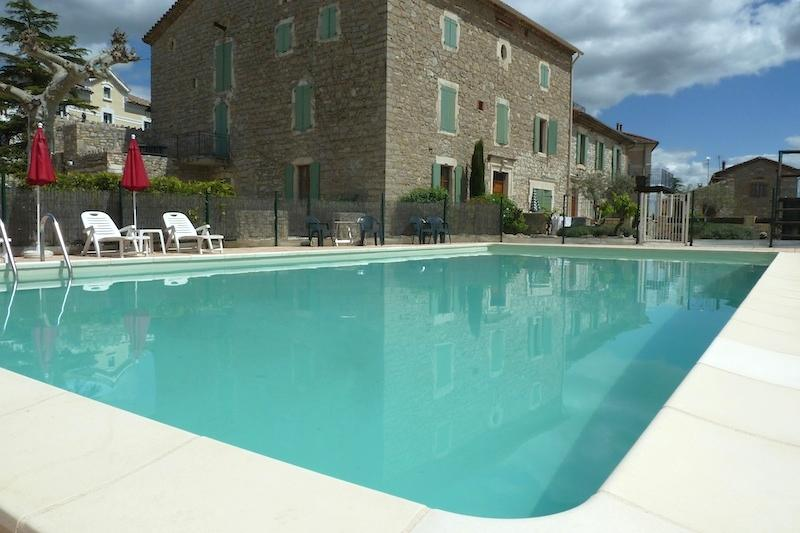 Large 12m x 6m Swimming Pool with pool bar - 2 bedroom apartment close to Montpellier & Nimes - Canaules-et-Argentieres - rentals