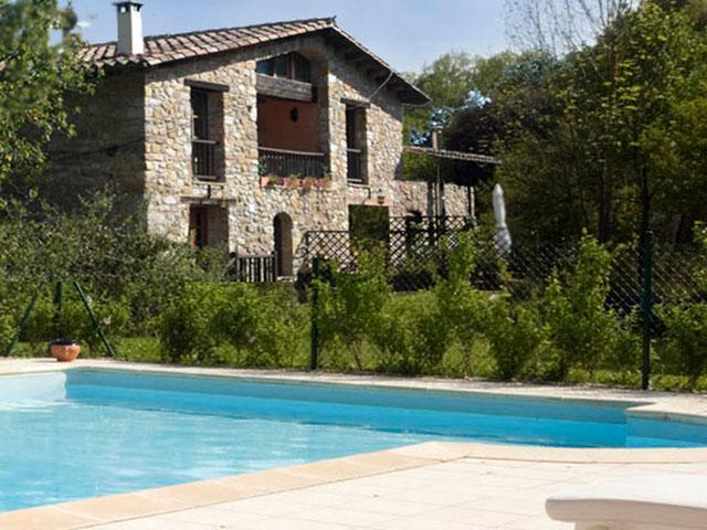 The pool is secluded from the house to enjoy in peace and privacy  - Restored Farmhouse w/ Pool and Mountain Views (2) - Girona - rentals