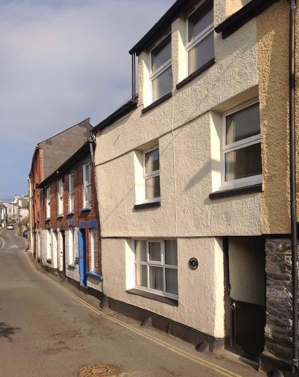 SAFFRON COTTAGE, family friendly, character holiday cottage in Mevagissey, Ref 3808 - Image 1 - Mevagissey - rentals