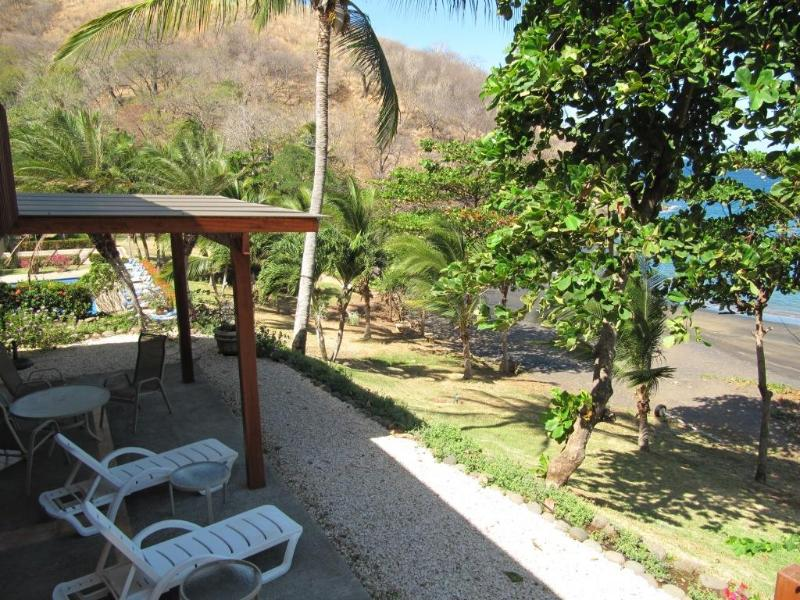 Excellent location with an outstamding view and sounds from the Pacific  - Bahia Pez Vela Beachfront Villa-Playa Ocotal (11) - Playa Ocotal - rentals