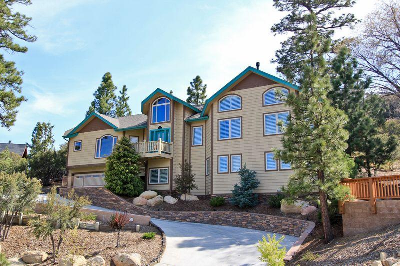 This immaculate custom designed home is located in one of the best neighborhoods. - Eagle Flight Retreat - Luxury! Pool Table! Spa! - Big Bear Lake - rentals
