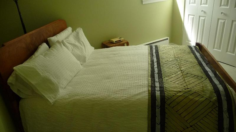 Sweet Dreams await you.... - Suite Dreams mins. to Downtown & Commercial Drive - Vancouver - rentals