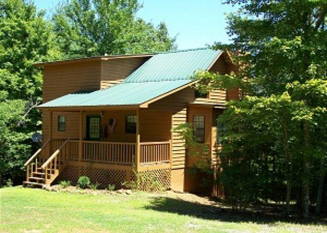 Cozy and Romantic - Cherokee Rose is a Cozy secluded Cabin for a perfect getaway - Blairsville - rentals