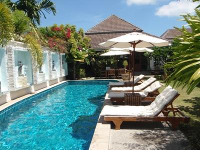 Villa pool and deck chairs - Beautiful courtyard villa with private pool. - Kathu - rentals