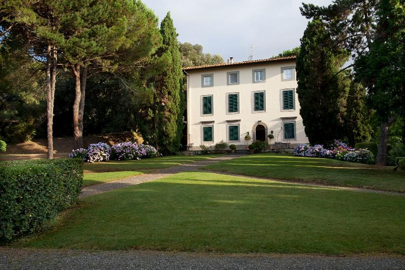 Beautiful Villa for Friends or Family with Chef, Close to Lucca - Villa Elisa - Image 1 - Balbano - rentals