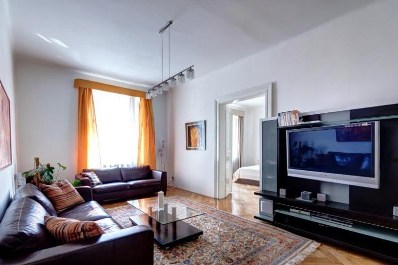 New Town Luxury by Wenceslav Square, high ceilings - Image 1 - Prague - rentals
