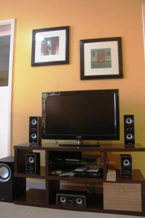 Flat Screen TV - Studio Apartment @ South of Market, Global City - Taguig City - rentals