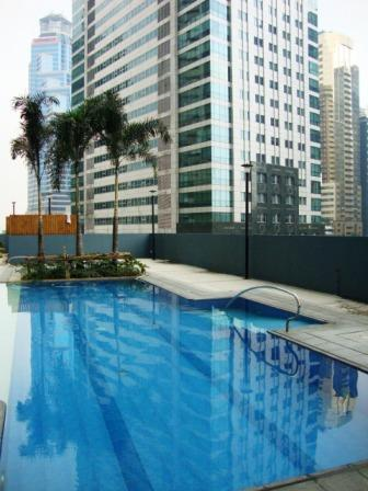 Pool - One bedroom loft apartment in Ortigas Centre - Manila - rentals