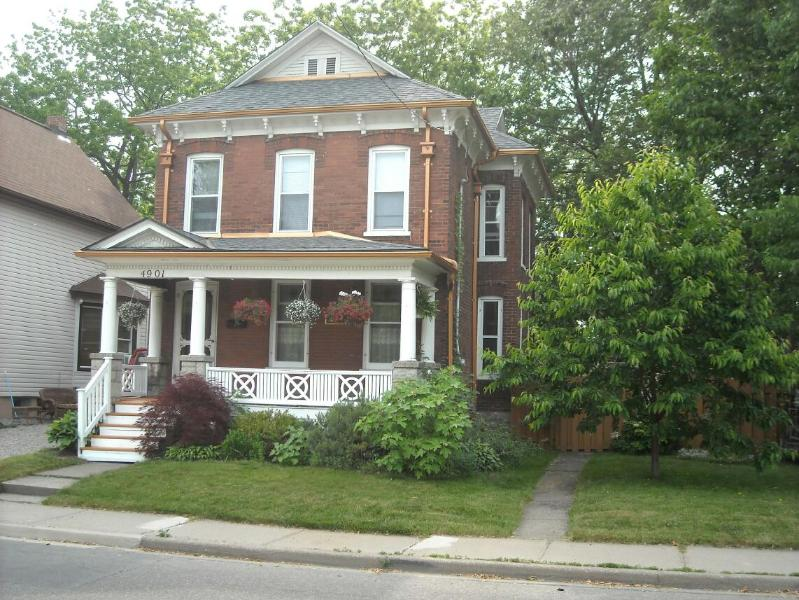 Family Friendly Vacation Rental - The Copper Penny House - Family Vacation Rental - Niagara Falls - rentals