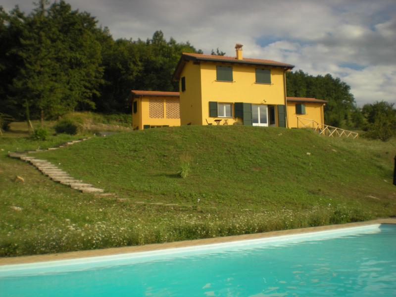 Views of the villa from the pool terrace - Superb Villa with Pool near Bologna and Florence - Bologna - rentals