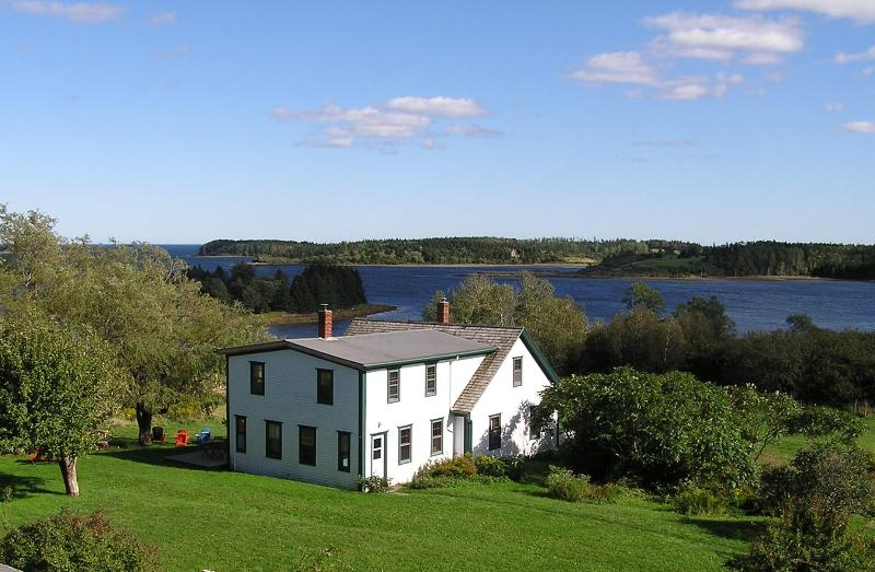 Farmhouse - 2nd Paradise Retreat - Lunenburg - rentals