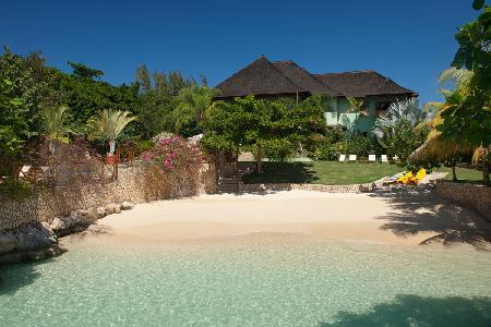 Whispering Waters on Discovery Bay, with private beach, tennis, kayaks & full staff - Image 1 - Discovery Bay - rentals