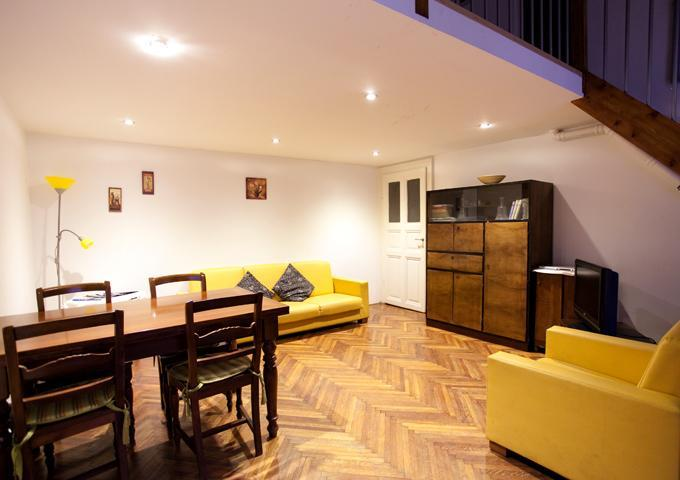 Living room - nice apartment downtown budapest from 10 euro ppn - Budapest - rentals