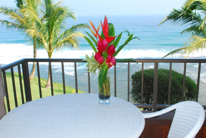 Tropical Outdoor Dining on your private patio - Sealodge D 7 is Heaven /Epic Oceanbluff Views - Princeville - rentals
