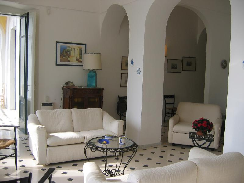 Seaside Apartment on the Amalfi Coast with Access to the Sea - Casa Minori - Image 1 - Ravello - rentals