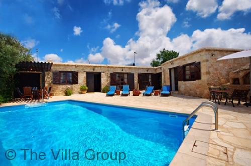 Idyllic 4 Bedroom/1 Bathroom House in Paphos (Villa 467) - Image 1 - Neo Chorion - rentals