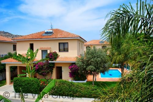 Oroklini 4 Bedroom, 2 Bathroom House (Villa 3034) - Image 1 - Oroklini - rentals