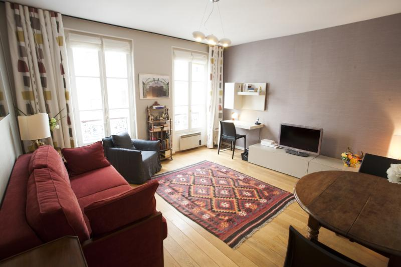 Living Room - Champs de Mars - Cler - Paris - rentals