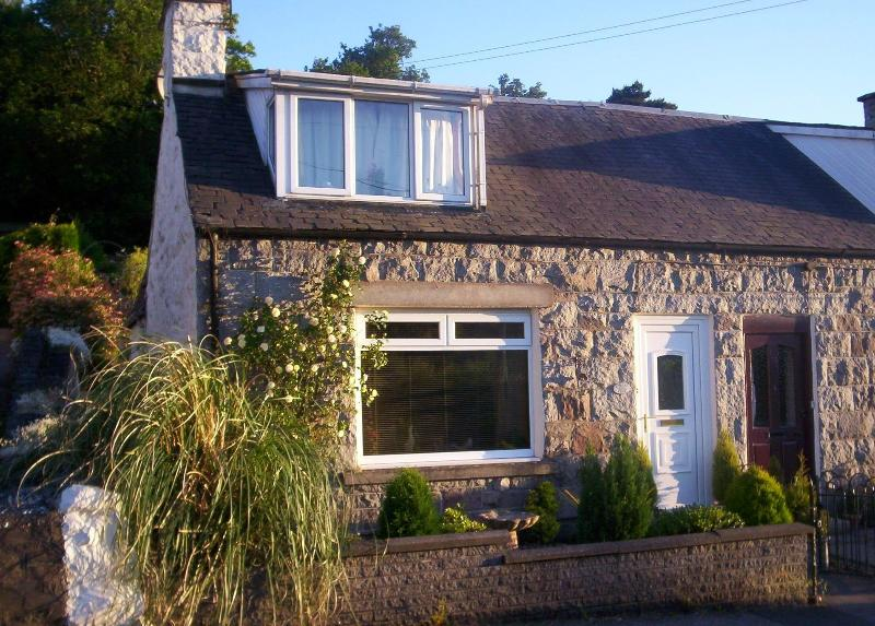 Forest Edge - traditinal granite cottage on the dge of Dalbeattie - 'Forest Edge' - no longer available - Dalbeattie - rentals