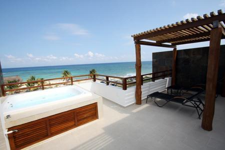 Private Rooftop Terrace with Jacuzzi - Heavenly Beachfront PH with Striking Views - Nubes - Playa del Carmen - rentals