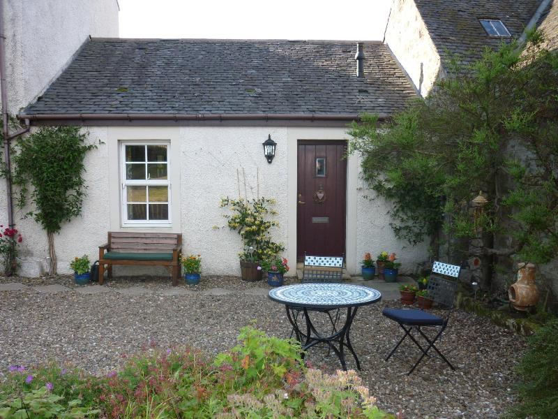 The front door - MidKinleith Farm Garden Flat - Edinburgh - rentals
