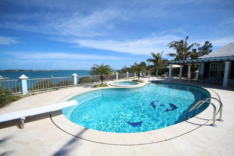 Pool with water views - W33. Modern poolside studios with water views - Southampton - rentals