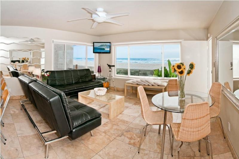 Living Room view from ground floor Unit 2 - Ocean Luxury #2 - Mission Beach - Mission Beach - rentals