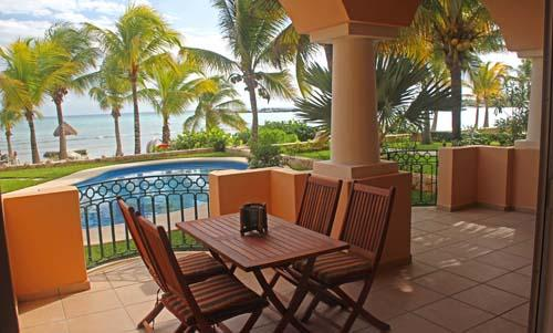 Ground Floor - Omni Beachfront - Playa Blanca - Image 1 - Puerto Aventuras - rentals