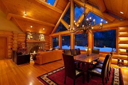 Spacious Creekside Villa with tennis, jacuzzi & sauna - Image 1 - Whistler - rentals