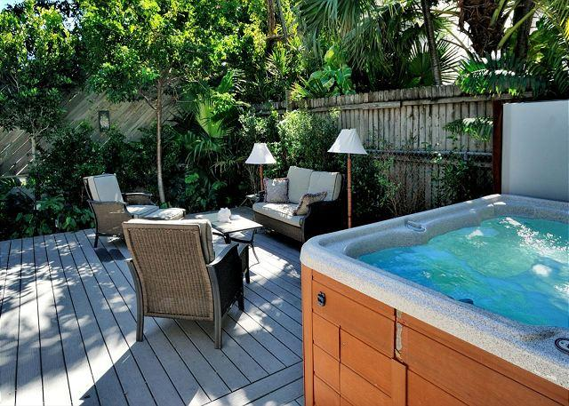 Comfortably Furnished, Beautifully Landscaped, Deck With Seating and Hot Tub - Lennons Lodge - Nightly - Key West - rentals