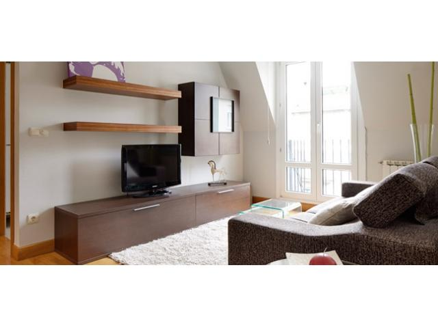 Katedral   City center,  Wifi, parking available, Perfect for a family - Image 1 - San Sebastian - Donostia - rentals