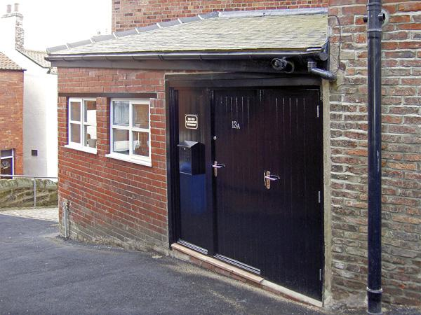 THE OLD BLACKSMITH'S WORKSHOP, family friendly in Whitby, Ref 3914 - Image 1 - Whitby - rentals