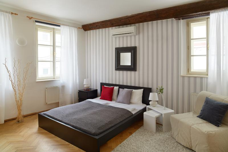Old Town Square Studio - Old Town Square studio - Prague - rentals