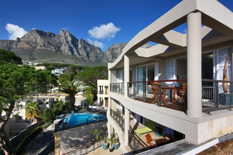 Balfour Place with fantastic views & private pool - Image 1 - Camps Bay - rentals