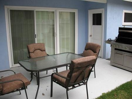 Lovely, quiet back patio to sit and enjoy your coffee, tea, or just relax - Anthony's Abode - San Diego - rentals