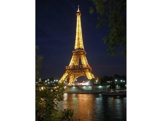 Eiffel Tower at night from the Seine - Nancy's Paris Flat - blocks from Champs Elysees/Arc De Triomphe - Paris - rentals