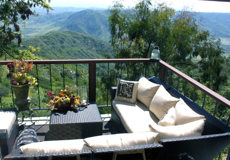 """Outdoor Lounge.. Cocktail anyone? - Stay on """"Top of the World"""" in Art filled Home! - Laguna Beach - rentals"""