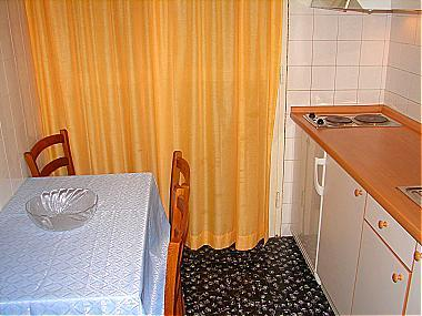 A3(4): kitchen and dining room - 00713MAKA A3(4) - Makarska - Makarska - rentals