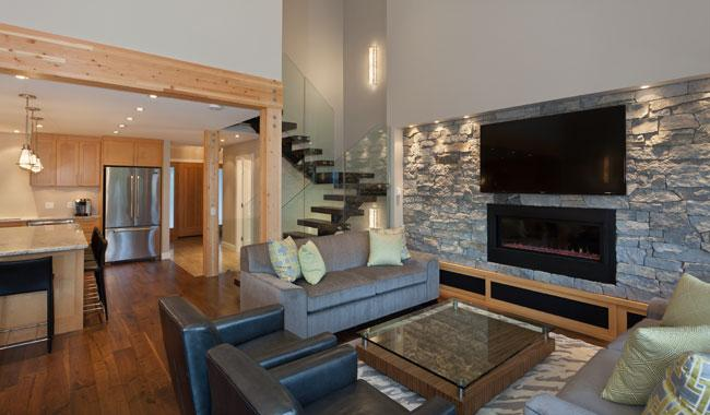 Open Concept Living Area with Vaulted Ceiling on Main Level - Cedar Ridge 14 | Whistler Platinum | Ski In/Ski Out - Whistler - rentals