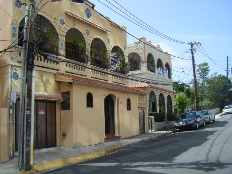 Casa Museo de los Santos: Historic house with 3 one-bedroom rental suites, museum & art gallery. - Casita Suite: Historic House - SJ Arts District - San Juan - rentals