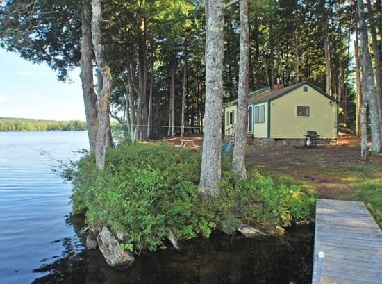 The cottage is approximately 30 feet from the waters edge - LAKEWOOD COTTAGE - Town of Searsmont - Quantabacook Lake - Searsmont - rentals