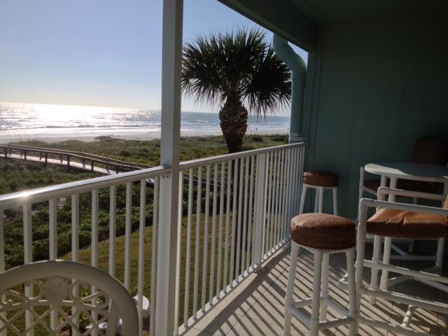 Great Balcony View Looking at the Atlantic - *Cocoa Beach Luxury! Balcony on the BEACH! $795 weekly Floridian Rates* - Cocoa Beach - rentals