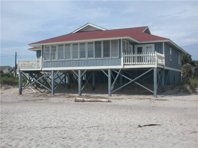 "126 Palmetto Blvd - ""A Good Eye"" - Image 1 - Edisto Beach - rentals"