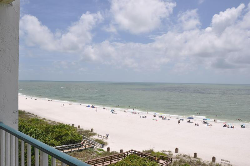 Apollo 604 - Perfect Beachfront Getaway! - Image 1 - Marco Island - rentals