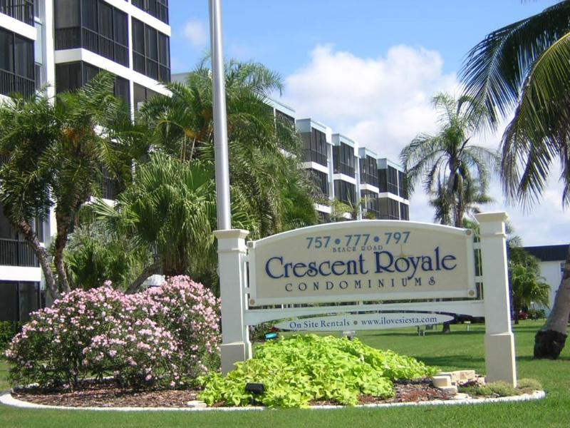Perfect Beach Front views from all units - A  Crescent Royale Condominium, Siesta Beach views - Sarasota - rentals